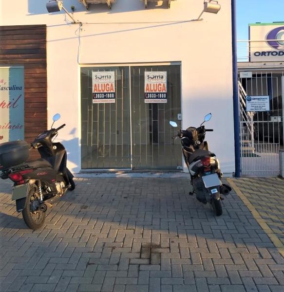 Sala Código 3195 para Alugar  no bairro Centro na cidade de Palhoça