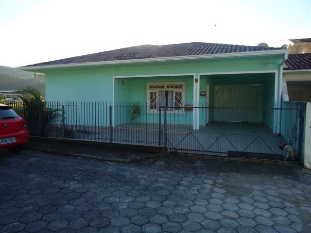 Casa Código 3493 a Venda no bairro Centro na cidade de Santo Amaro da Imperatriz Condominio