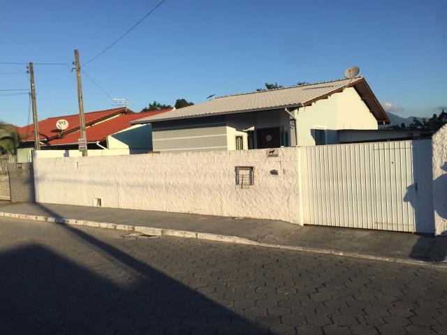 Casa Código 3525 a Venda no bairro Caminho Novo na cidade de Palhoça Condominio
