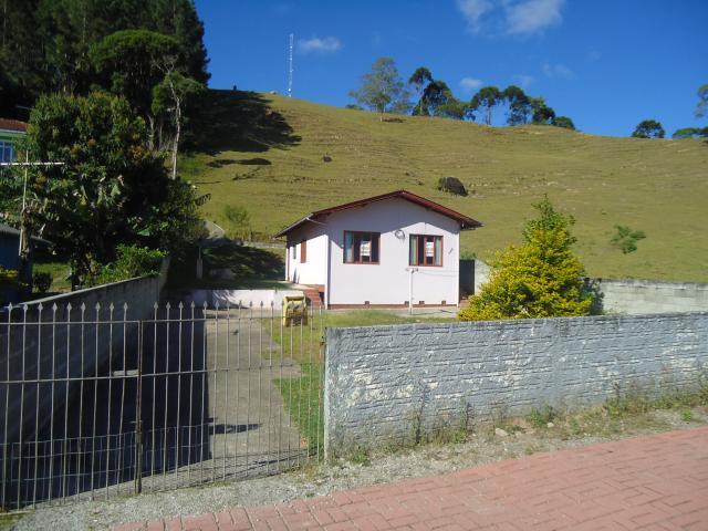 Casa Código 3590 a Venda no bairro Caldas da Imperatriz na cidade de Santo Amaro da Imperatriz Condominio
