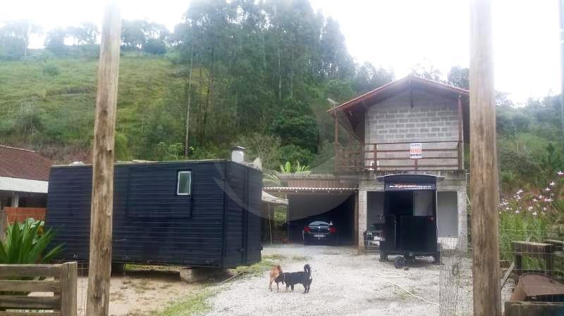 Casa Código 3609 a Venda no bairro Caldas da Imperatriz na cidade de Santo Amaro da Imperatriz Condominio