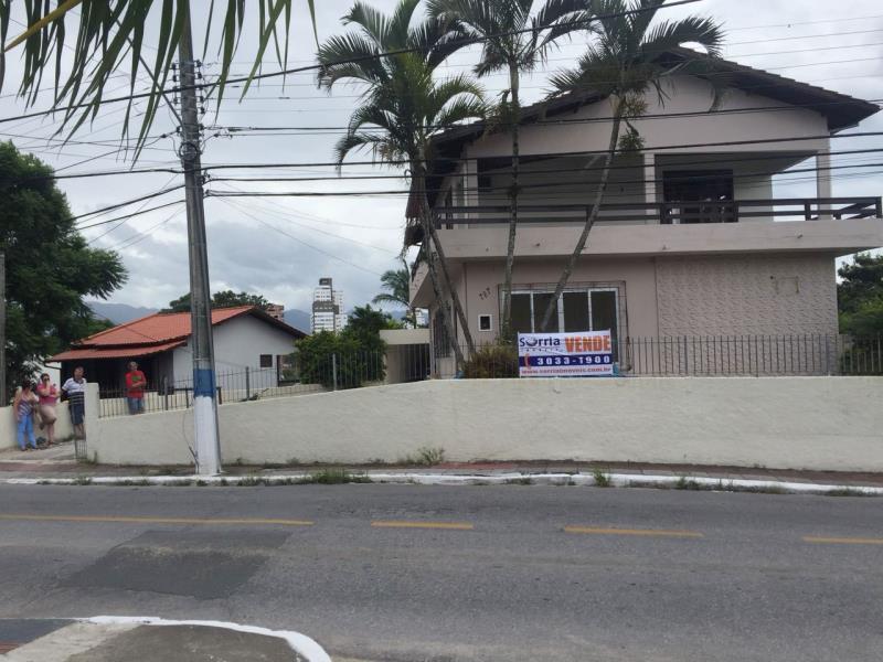 Casa Código 3800 a Venda no bairro Passa Vinte na cidade de Palhoça Condominio