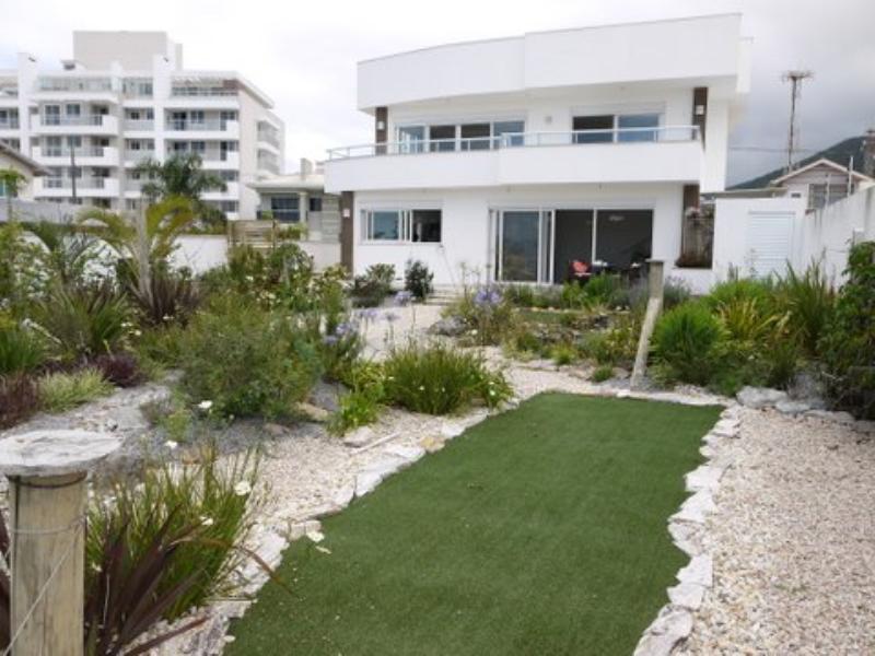 Casa Código 3816 a Venda no bairro Praia de Fora na cidade de Palhoça Condominio