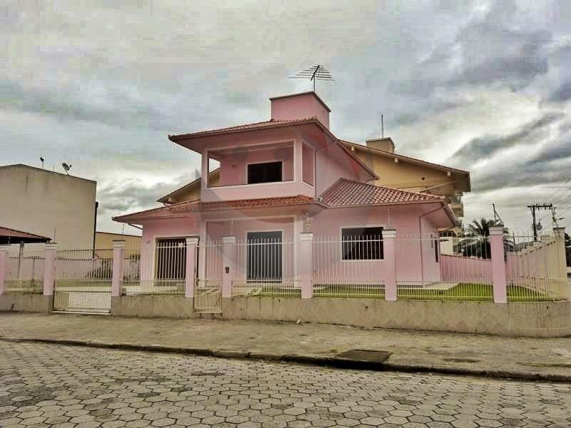Casa Código 3848 a Venda no bairro Vila Becker na cidade de Santo Amaro da Imperatriz Condominio
