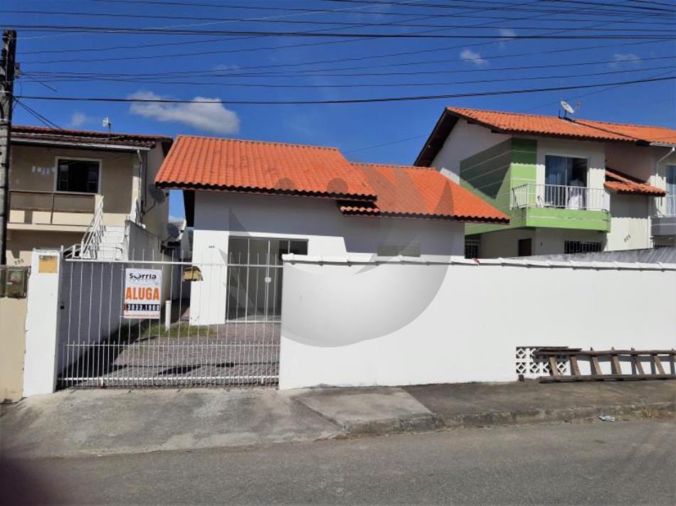 Casa Código 3891 para Alugar  no bairro São Sebastião na cidade de Palhoça
