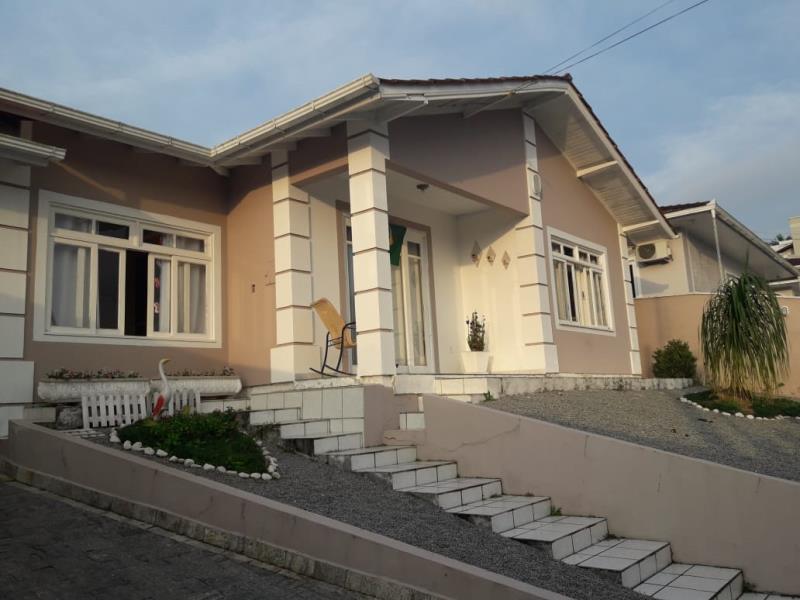 Casa Código 3975 a Venda no bairro São Francisco na cidade de Santo Amaro da Imperatriz Condominio
