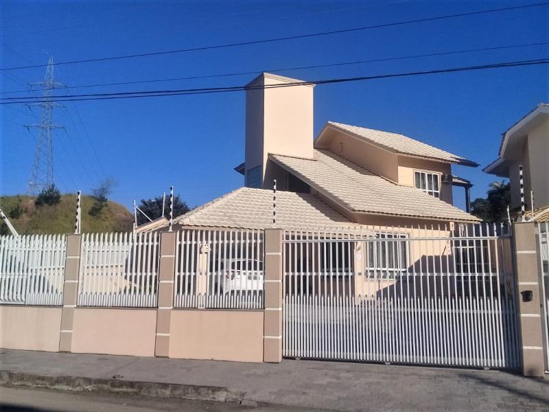 Casa Código 3976 a Venda no bairro Pagani na cidade de Palhoça Condominio