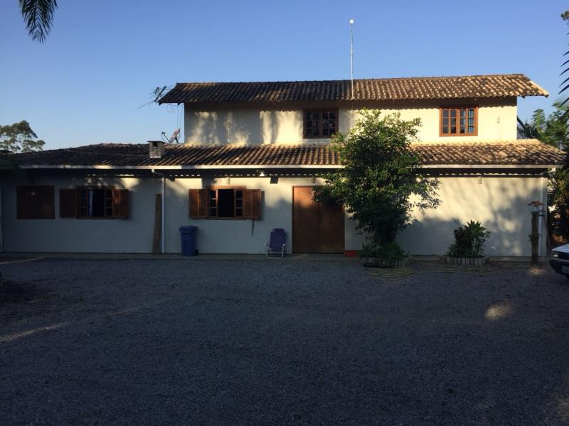 Casa Código 3992 a Venda no bairro Sul do Rio na cidade de Santo Amaro da Imperatriz Condominio