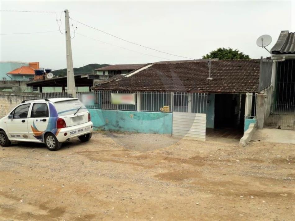 Casa Código 3994 a Venda no bairro Praia de Fora na cidade de Palhoça Condominio