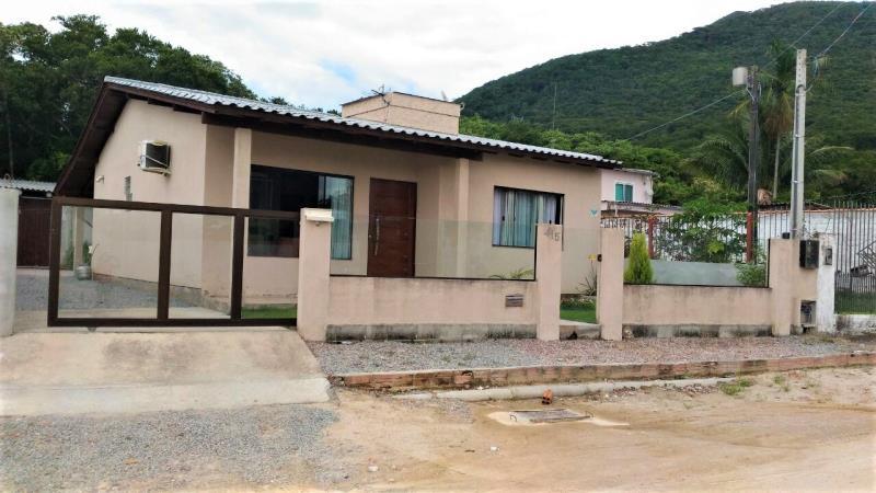 Casa Código 4087 a Venda no bairro Praia de Fora na cidade de Palhoça Condominio