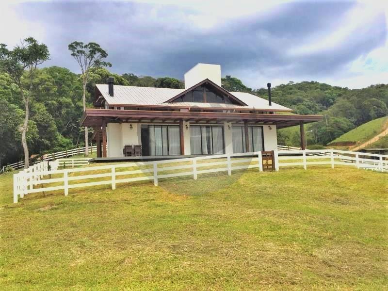 Casa Código 4132 a Venda  no bairro Canto da Amizade na cidade de Santo Amaro da Imperatriz