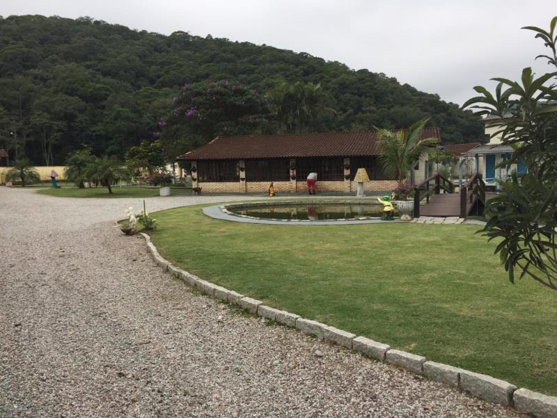 Sítio Código 4150 a Venda no bairro Varginha na cidade de Santo Amaro da Imperatriz Condominio