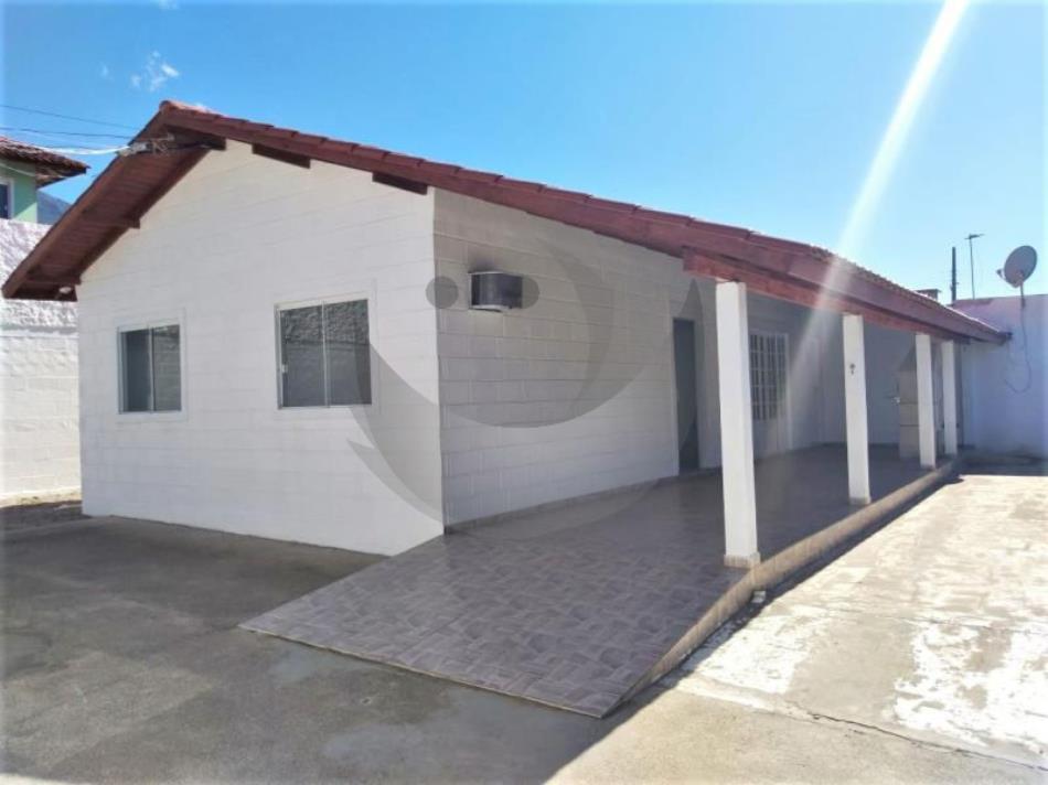 Casa Código 4195 para Alugar  no bairro Praia de Fora na cidade de Palhoça