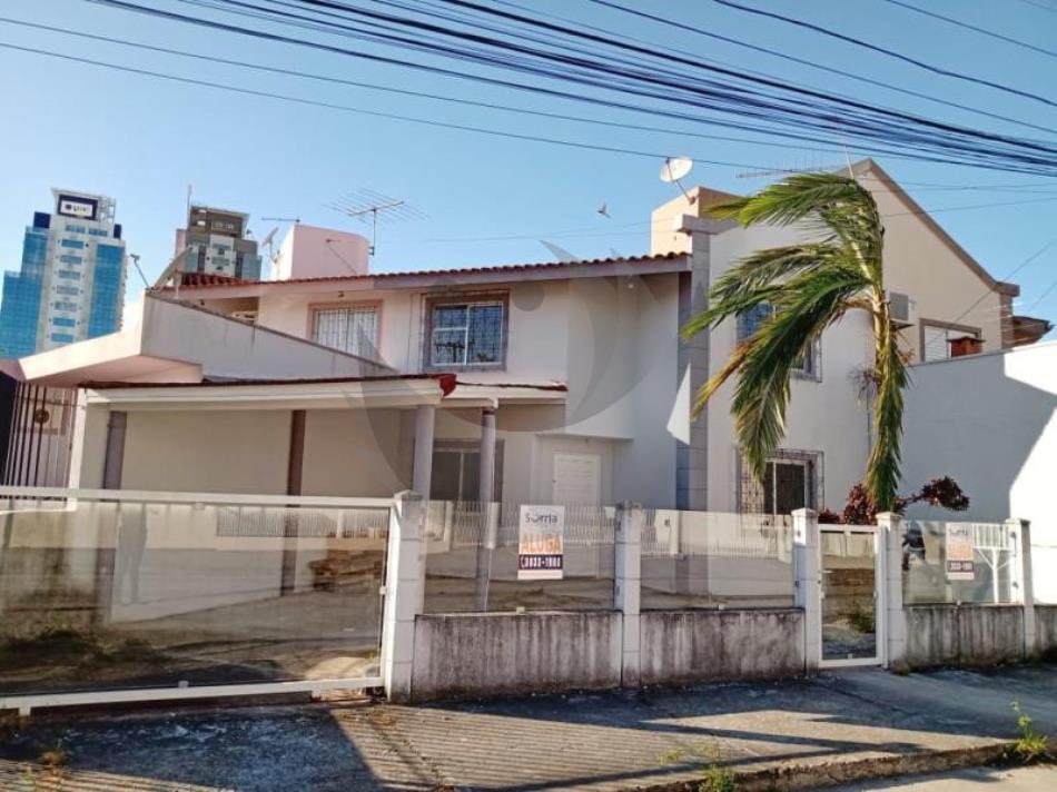 Casa Código 4208 para alugar no bairro Pagani na cidade de Palhoça Condominio