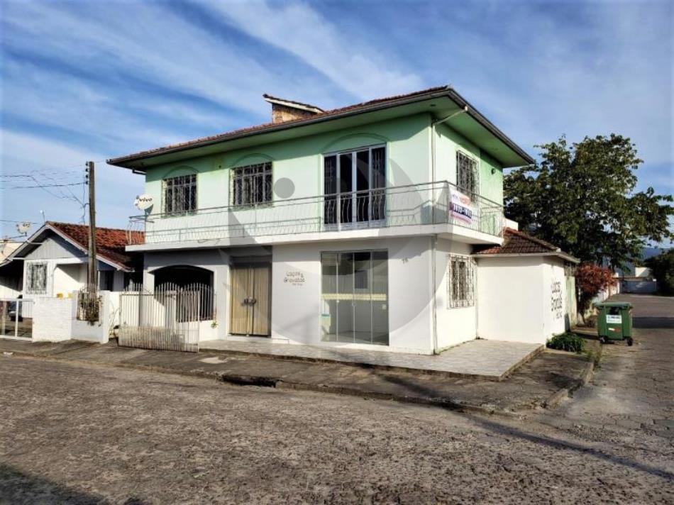 Casa Código 4288 a Venda no bairro Centro na cidade de Palhoça Condominio