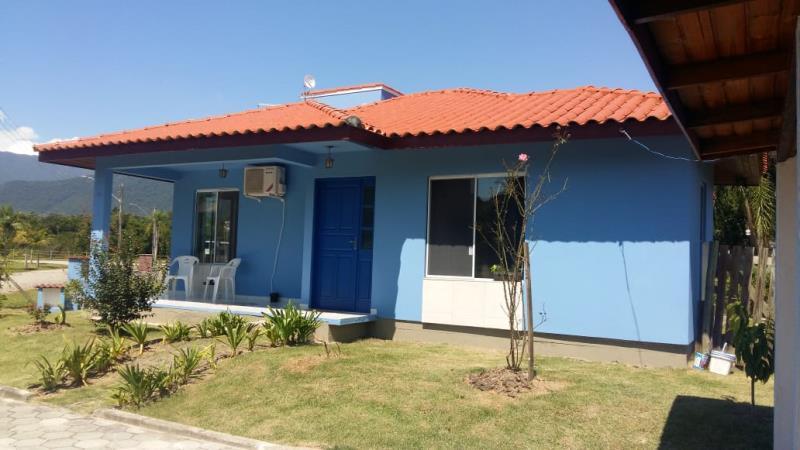 Casa Código 4384 a Venda no bairro Sul do Rio na cidade de Santo Amaro da Imperatriz Condominio condomínio golden garden