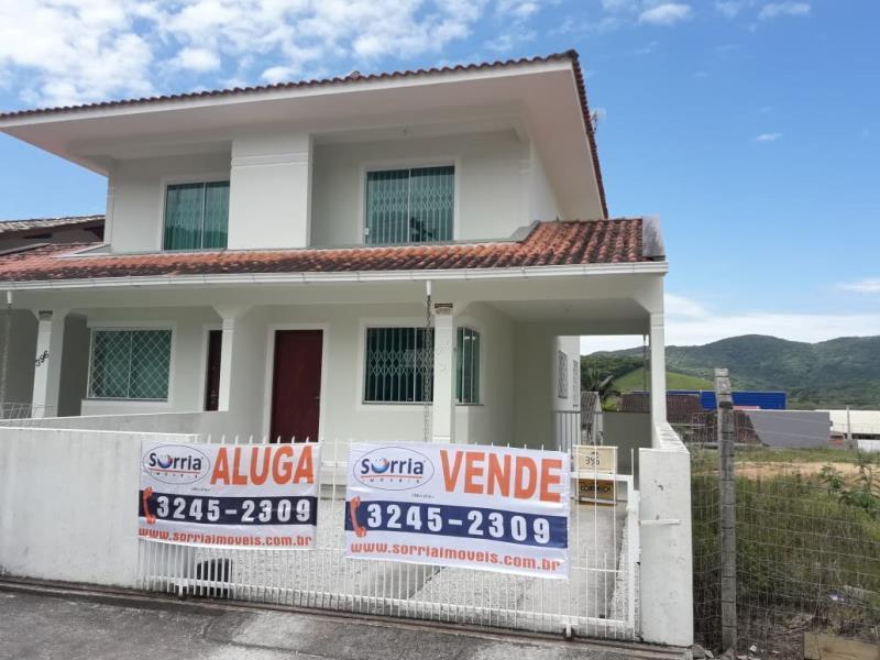 Casa Código 4398 a Venda no bairro São Francisco na cidade de Santo Amaro da Imperatriz Condominio