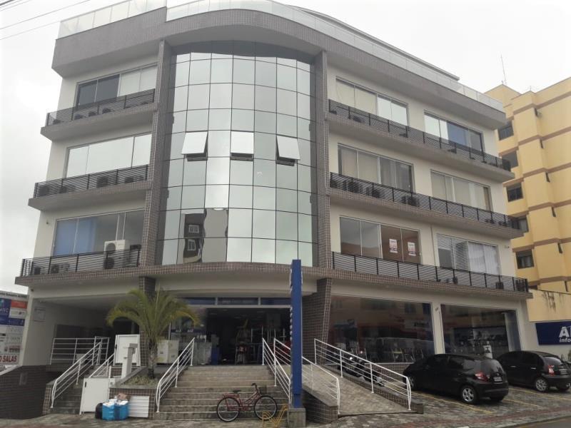 Sala Código 4424 para alugar no bairro Centro na cidade de Santo Amaro da Imperatriz Condominio