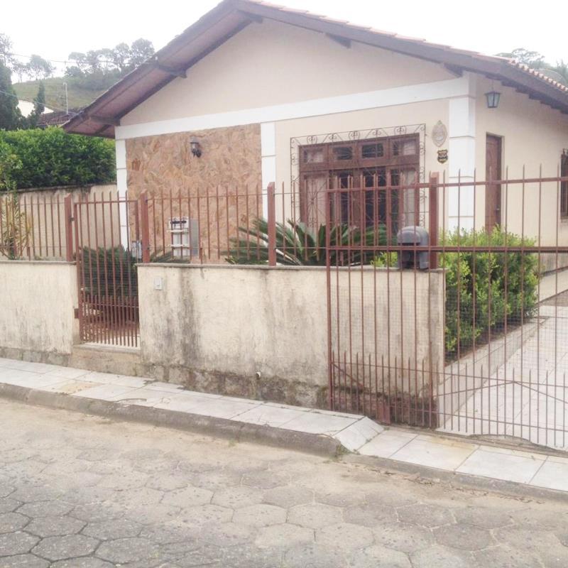 Casa Código 4461 a Venda no bairro Centro na cidade de Santo Amaro da Imperatriz Condominio