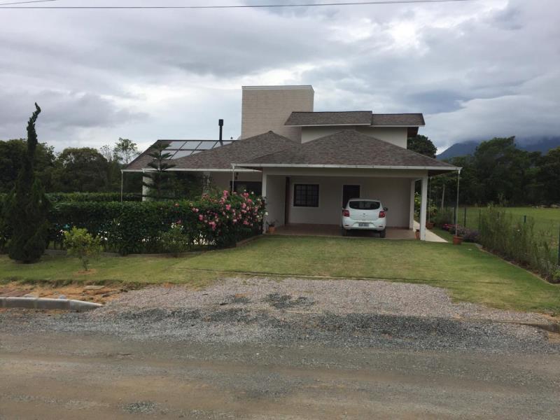 Casa Código 4463 a Venda no bairro Sul do Rio na cidade de Santo Amaro da Imperatriz Condominio condomínio golden garden