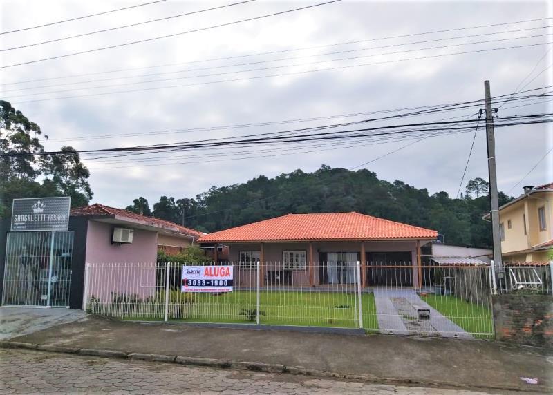 Casa Código 4533 para alugar no bairro Bela Vista na cidade de Palhoça Condominio