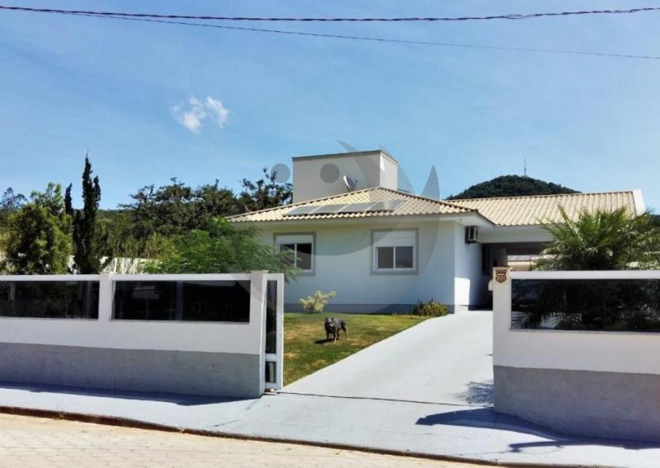 Casa Código 4565 a Venda no bairro Centro na cidade de Águas Mornas Condominio
