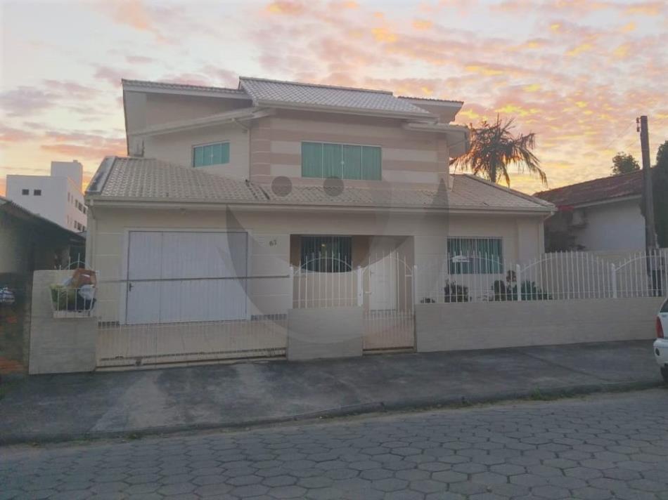 Casa Código 4627 a Venda  no bairro Barra do Aririú na cidade de Palhoça
