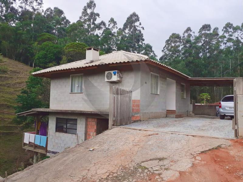 Casa Código 4636 a Venda no bairro Sul do Rio na cidade de Santo Amaro da Imperatriz Condominio