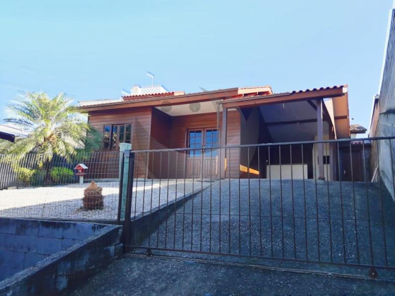 Casa Código 4647 para alugar no bairro São Francisco na cidade de Santo Amaro da Imperatriz Condominio
