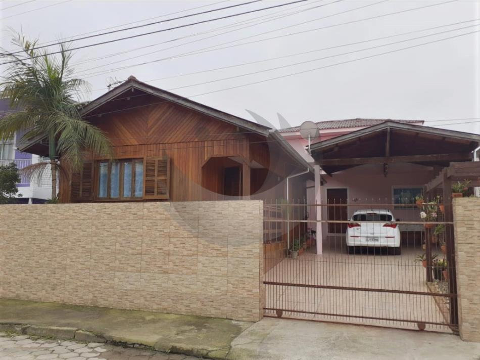 Casa Código 4703 a Venda no bairro Flor de Nápolis na cidade de São José Condominio
