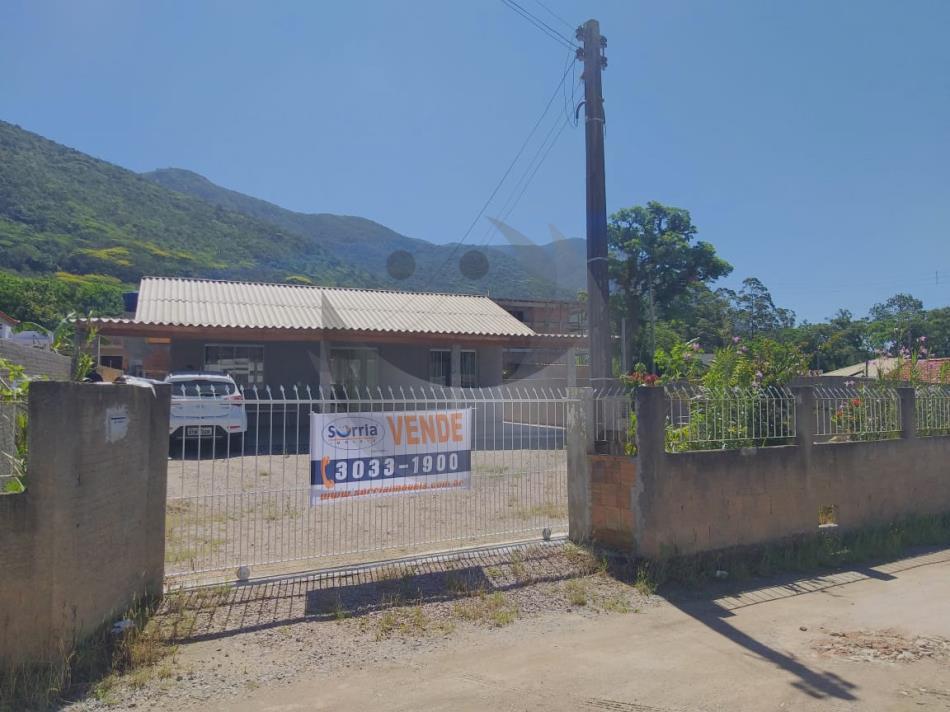 Casa Código 4756 a Venda no bairro Praia de Fora na cidade de Palhoça Condominio
