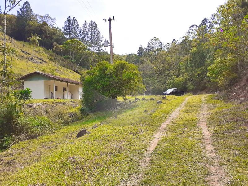 Sítio Código 4780 a Venda no bairro Fazenda Bom Jesus na cidade de Santo Amaro da Imperatriz Condominio
