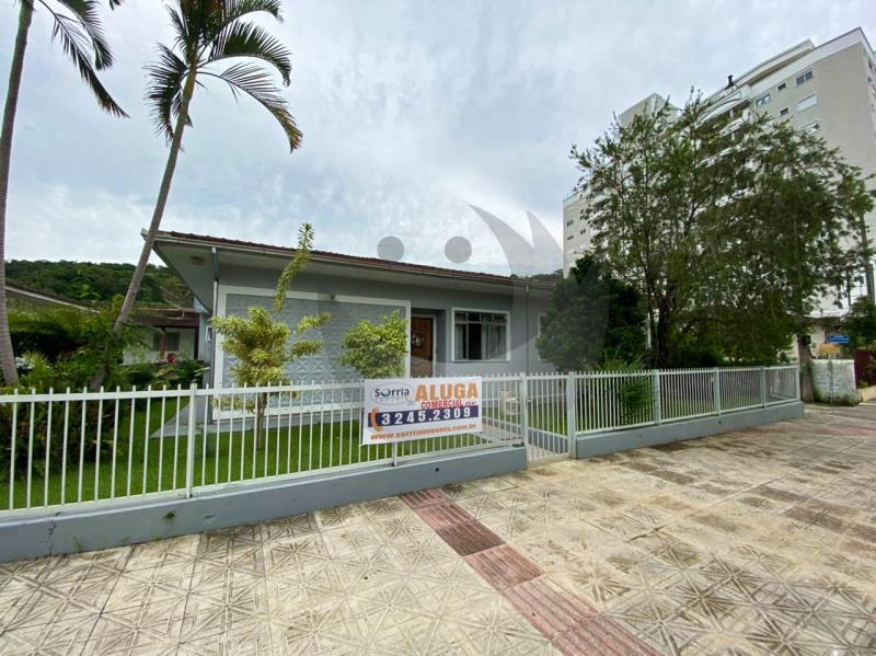 Sala Código 4784 para alugar no bairro Centro na cidade de Santo Amaro da Imperatriz Condominio