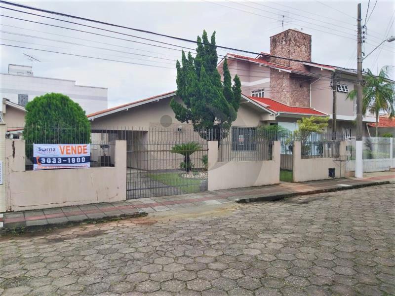 Casa Código 4798 a Venda  no bairro Centro na cidade de Palhoça