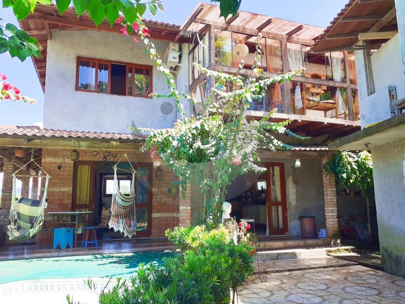 Casa Código 4825 a Venda no bairro Vargem dos Pinheiros na cidade de Santo Amaro da Imperatriz Condominio