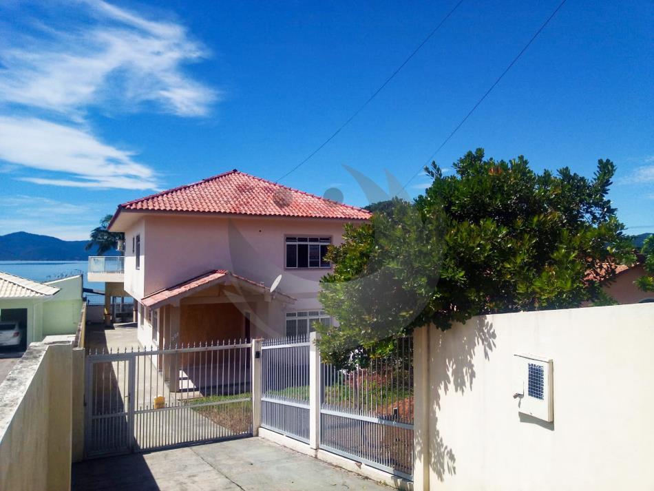 Casa Código 4846 para alugar no bairro Praia de Fora na cidade de Palhoça Condominio