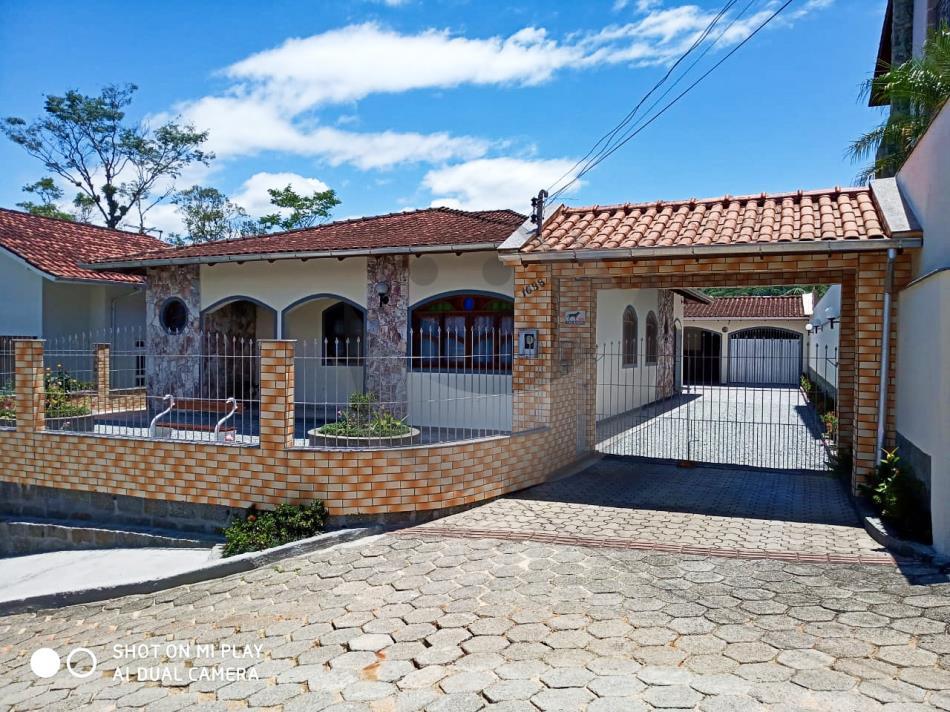 Casa Código 4891 a Venda no bairro Vargem dos Pinheiros na cidade de Santo Amaro da Imperatriz Condominio