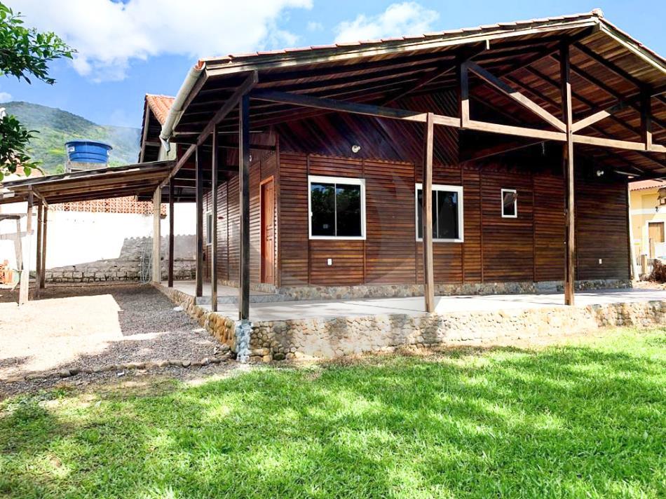 Casa Código 4916 a Venda  no bairro Praia de Fora na cidade de Palhoça