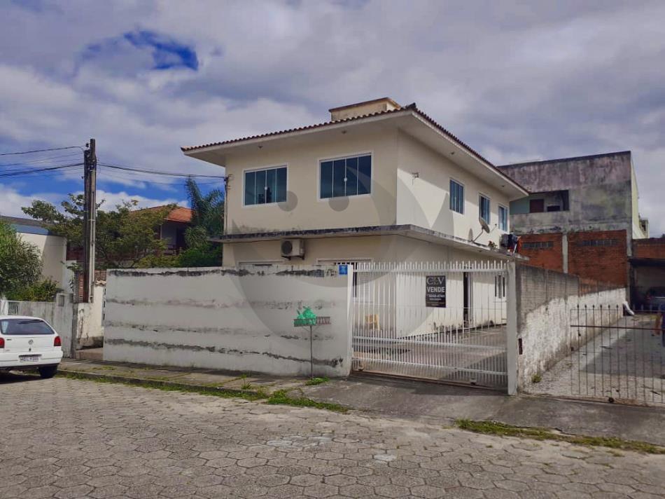 Casa Código 4919 a Venda no bairro Fazenda Santo Antônio na cidade de São José Condominio