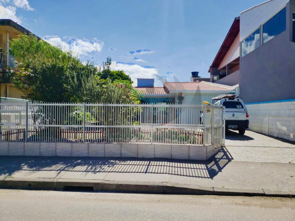 Casa Código 4937 a Venda no bairro Praia de Fora na cidade de Palhoça Condominio