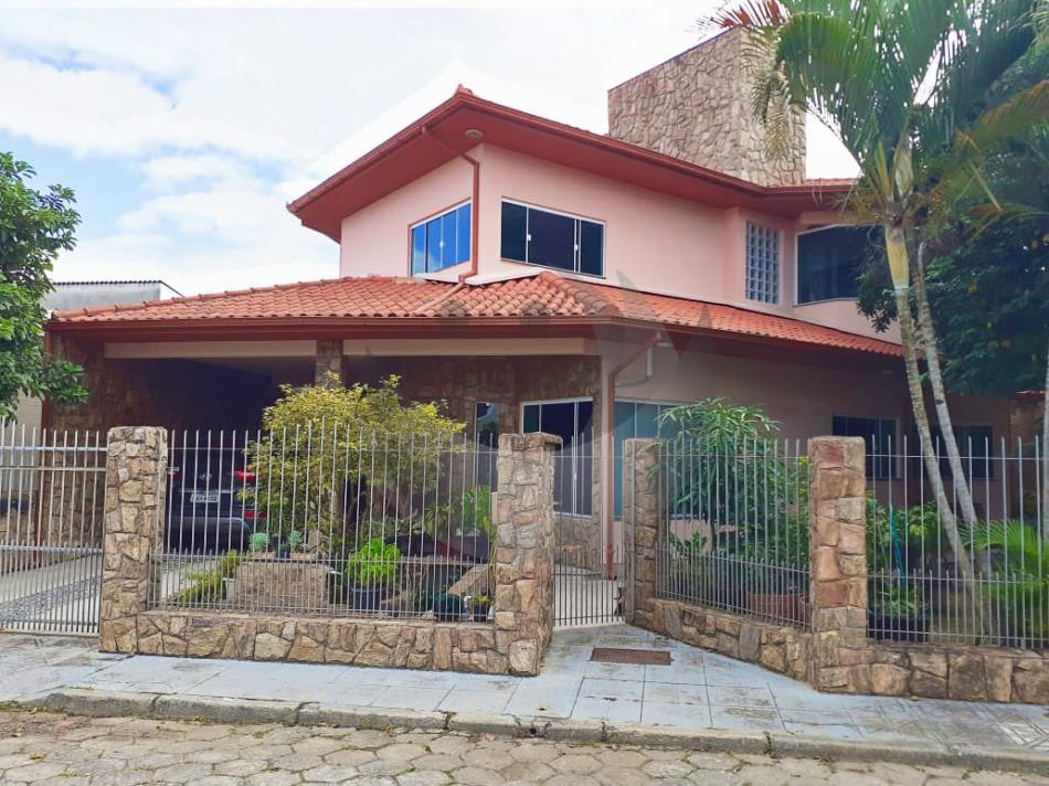 Casa Código 4938 a Venda no bairro Ponte do Imaruim na cidade de Palhoça Condominio