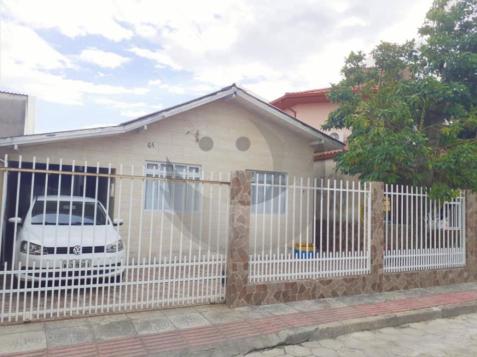 Casa Código 4947 a Venda no bairro Ponte do Imaruim na cidade de Palhoça Condominio