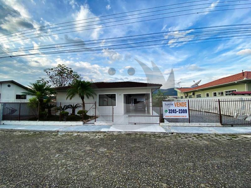 Casa Código 5023 a Venda no bairro Vila Becker na cidade de Santo Amaro da Imperatriz Condominio