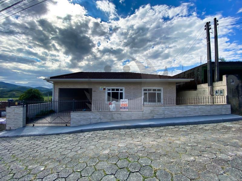 Casa Código 5024 a Venda no bairro São Francisco na cidade de Santo Amaro da Imperatriz Condominio