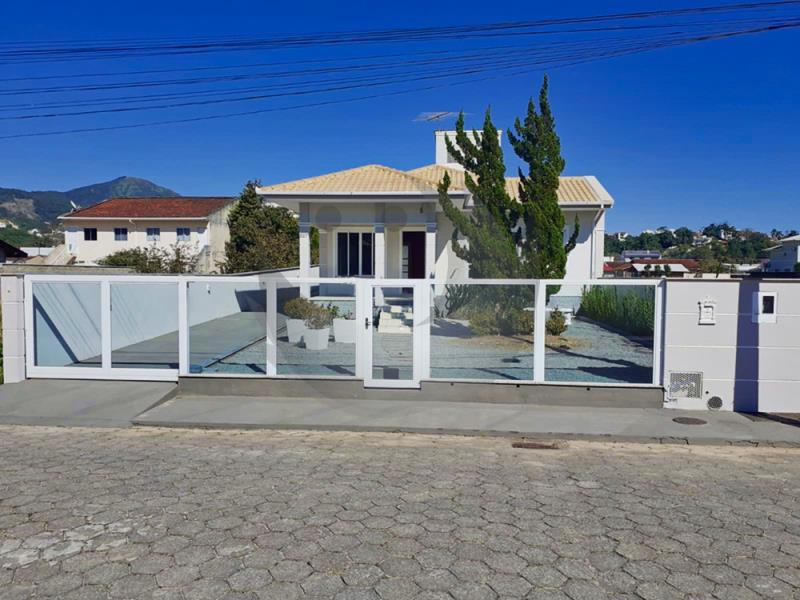 Casa Código 5089 a Venda no bairro Vila Becker na cidade de Santo Amaro da Imperatriz Condominio