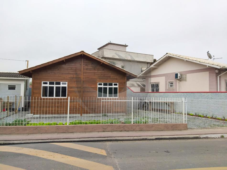 Casa Código 5099 para Alugar  no bairro Aririu na cidade de Palhoça