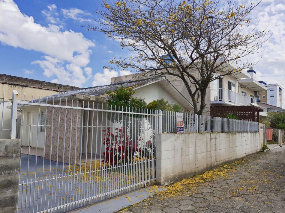 Casa Código 5127 para Alugar  no bairro Ponte do Imaruim na cidade de Palhoça