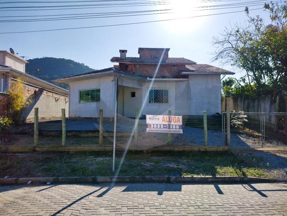 Casa Código 5132 para alugar no bairro Alto Aririu na cidade de Palhoça Condominio