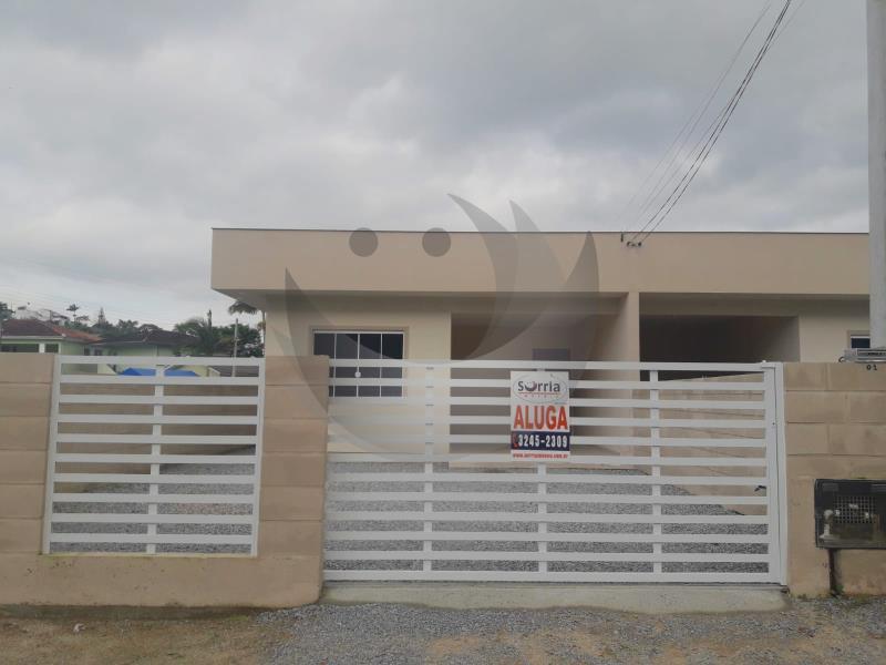 Casa Código 5166 para alugar no bairro Vila Santana na cidade de Santo Amaro da Imperatriz Condominio