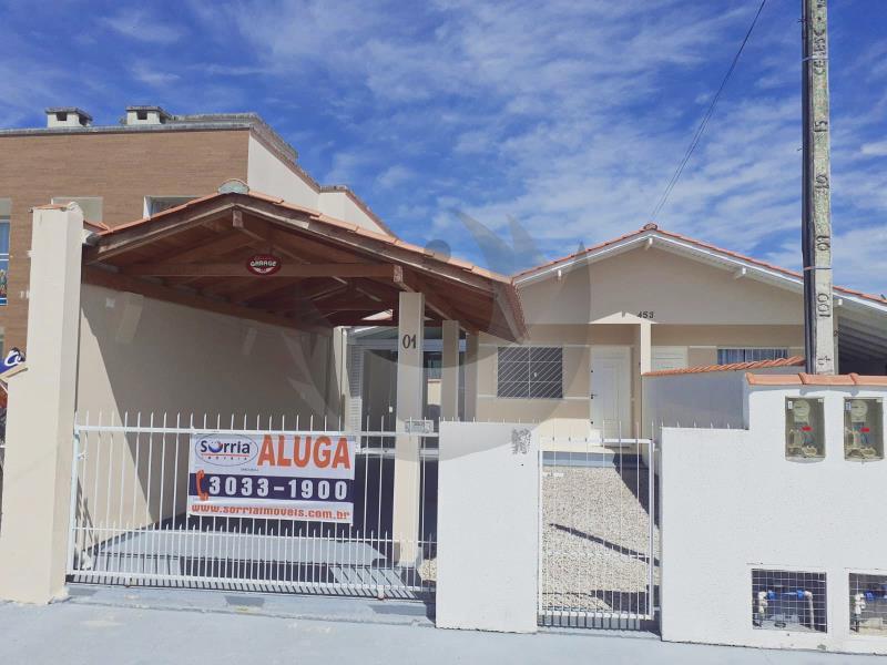 Casa Código 5171 para alugar no bairro Barra do Aririú na cidade de Palhoça Condominio